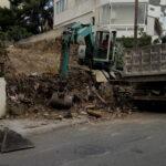 Καθαρισμός χωραφιού και απομάκρυνση μπαζών.